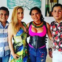 Diane Marie Rodriguez Zambrano recibe reconocimientoen milagro ecuador por la lucha LGBT
