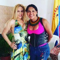 Diane Marie Rodriguez Zambrano recibe reconocimientoen milagro ecuador por la lucha LGBT4