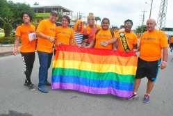 #Ecuador Colectivos LGBT afros, participan de maratón diario el diverso ecuador2