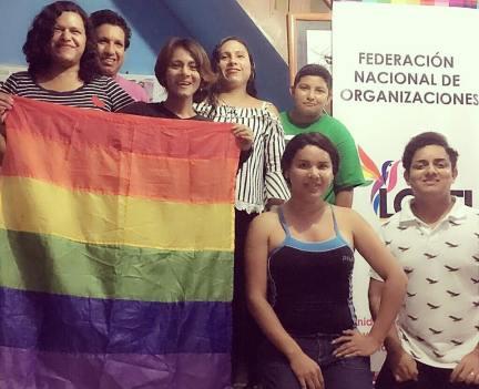 #Ecuador Colectivos LGBT se capacitan en liderazgo diario el diverso 1