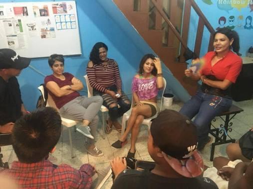 #Ecuador Silueta X imparte taller para reaccionar ante el abuso de poder en parejas-Diario El Diverso Ecuador 2