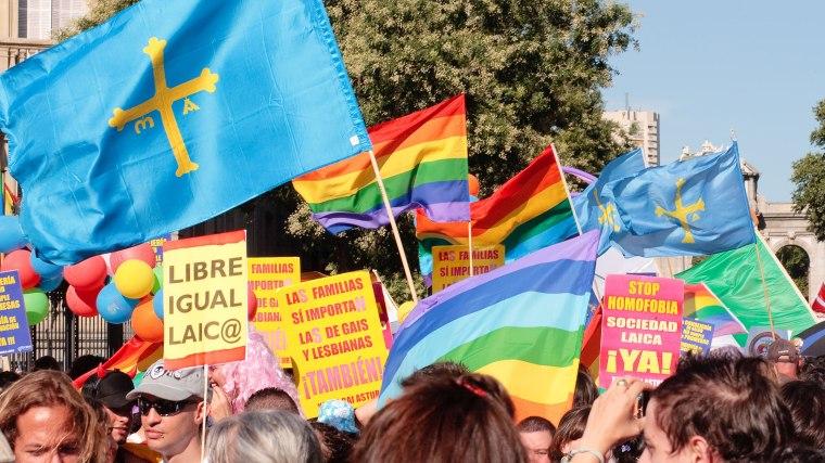 significado-de-la-fiesta-del-orgullo-gay.jpg