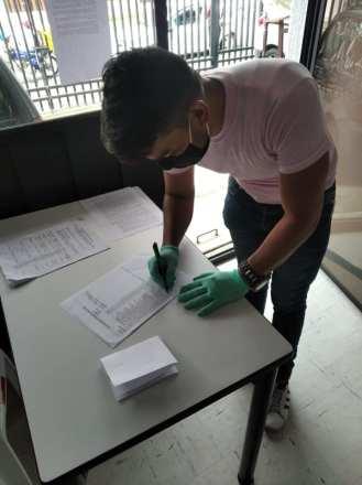 Donación de canastas y alimentos por parte de la Asociación Silueta X, centro Pisco Trans y La Camara LGBT de Comercio Ecuador - Covid19 - Apoyo Prefectura de Pichincha (20)