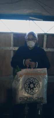 Donación de canastas y alimentos por parte de la Asociación Silueta X, centro Pisco Trans y La Camara LGBT de Comercio Ecuador - Covid19 - Apoyo Prefectura de Pichincha (4)