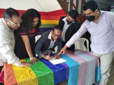Firma - ACCIÓN DE PROTECCIÓN CONTRA EL CONSEJO PARA LA IGUALDAD DE GÉNERO PARA LA CONFORMACIÓN DEL CONSEJO CONSULTIVO LGBTI - Asociación Silueta X - Campaña Tiempo de Igualdad (4)
